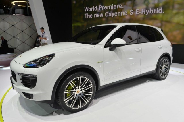 Newcarreleasedates.Com ''2017 Porsche Cayenne S Hybrid'', Electric, Hybrid and Diesel Cars, SUVS And PickUPS