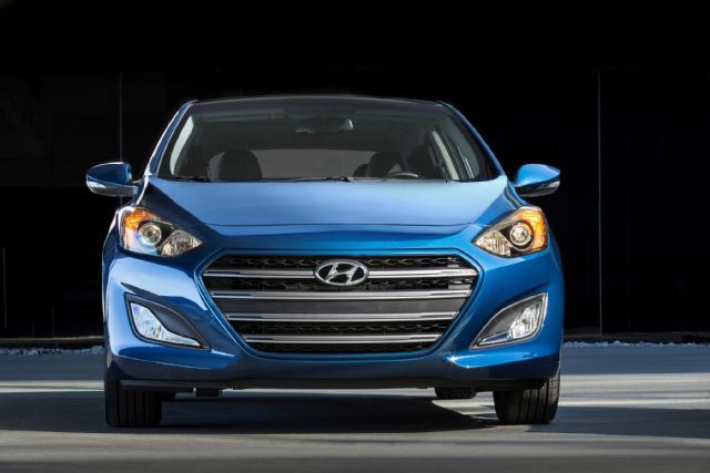 ''NewCarReleaseDates.Com'' Coming soon 2017 cars ''2017 Hyundai Accent '' Release Dates And Reviews of New Cars in 2017