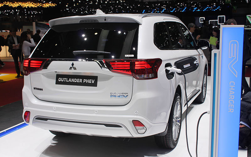 Geneva 2018: Mitsubishi Outlander PHEV 2019, with more power, savings and autonomy