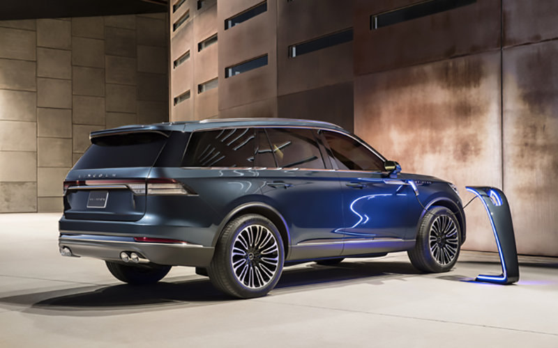 Ford introduces a plug-in hybrid SUV in New York, the 2019 Lincoln Aviator