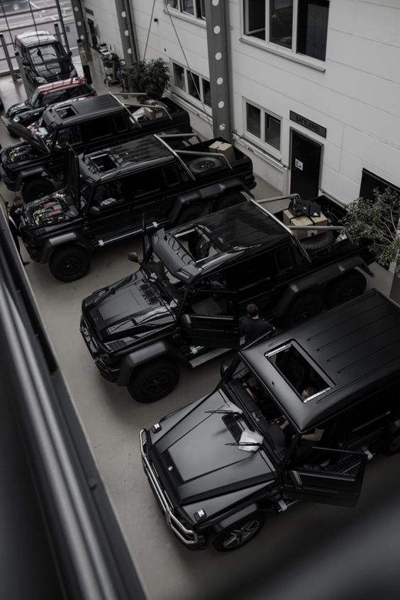 Dream Cars in Black : The Coolest And Best Photos Of Cars In Black : Do You Agree?