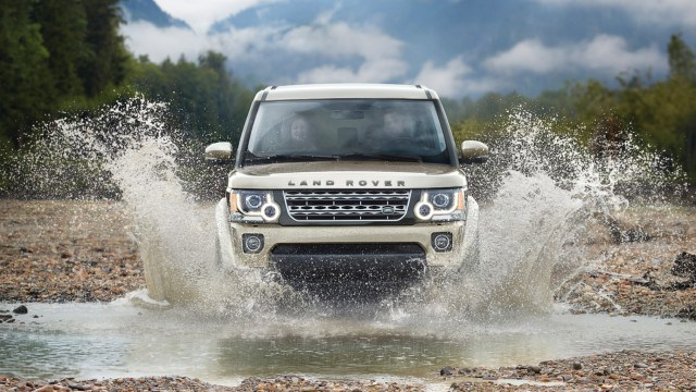 ''NewCarReleaseDates.Com'' Coming soon 2017 cars ''2017 Land Rover LR4 '' Release Dates And Reviews of New Cars in 2017